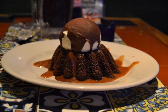 chilis molten chocolate cake