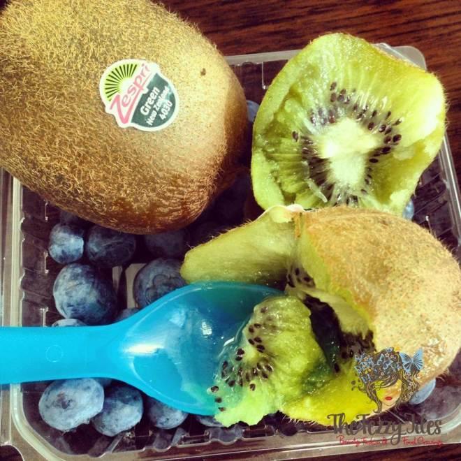 kiwi fruit zespri breakfast blueberries
