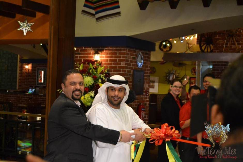 el chico ribbon cutting