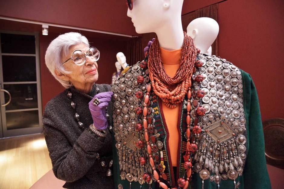 Iris-Apfel-installs-her-ensembles-at-PEM-Courtesy-Peabody-Essex-Museum