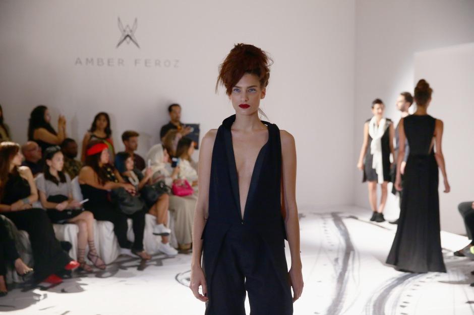 Amber Feroz - Presentation - Dubai FFWD April 2015