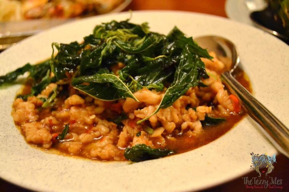 mango tree thai restaurant dubai review gai phad crapow