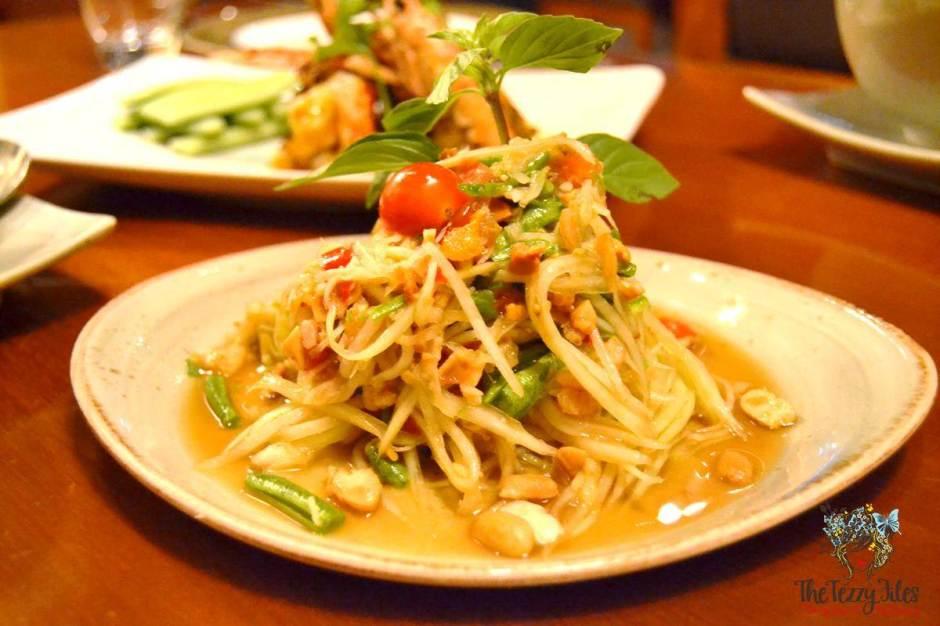 mango tree thai restaurant dubai review som tam salad papaya