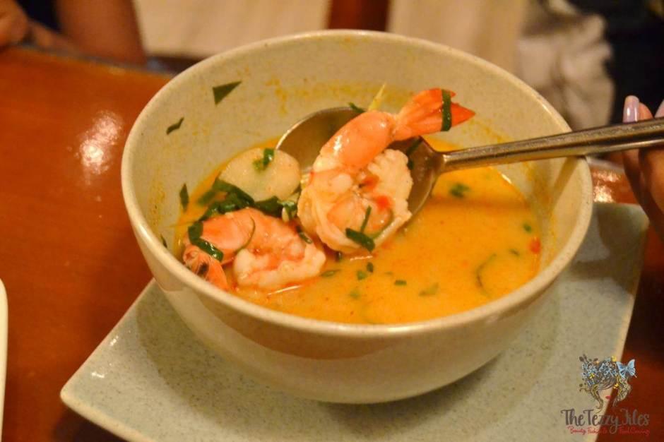 mango tree thai restaurant dubai review tom yum goong soup