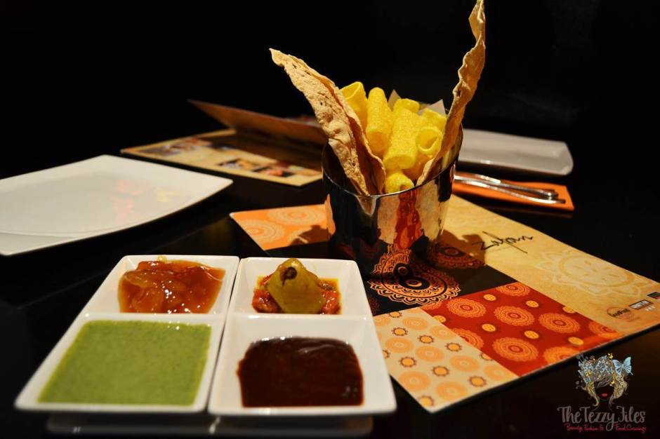zafran complimentary papad and pickles