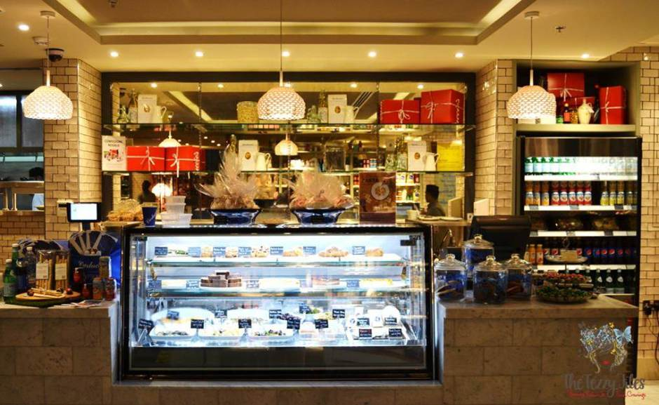 carluccios the walk dubai cafe