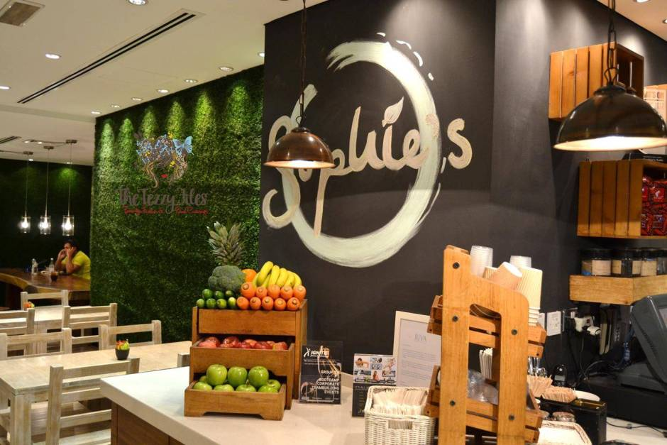 sophies the palm jumeirah dubai review organic restaurant cafe (10)