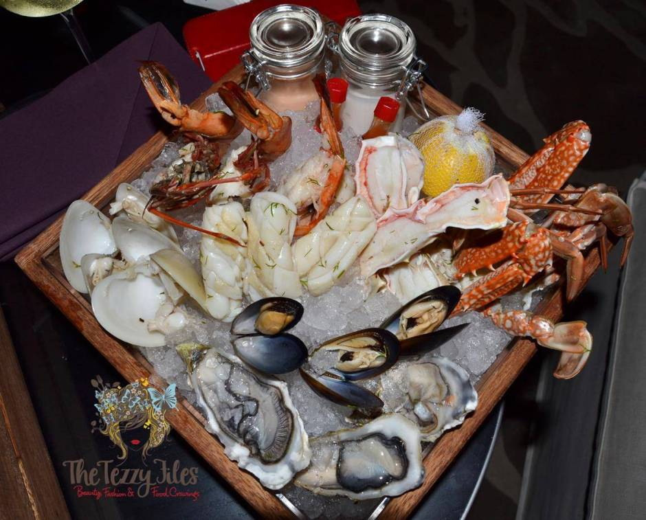 Stage 2 Vida Downtown Dubai Thursday Seafare night seafood box wine AED 150 review (1)