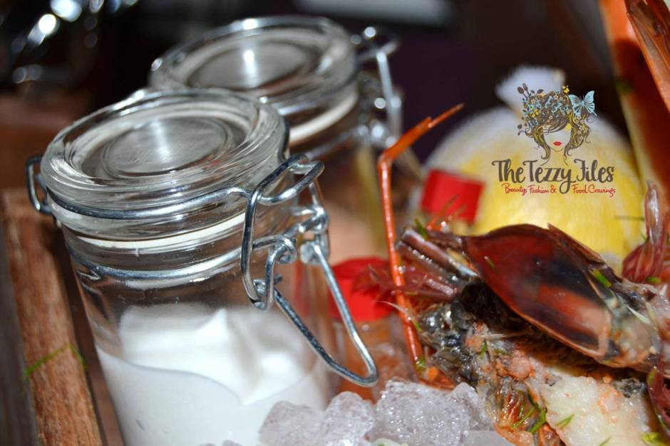 Stage 2 Vida Downtown Dubai Thursday Seafare night seafood box wine AED 150 review (5)