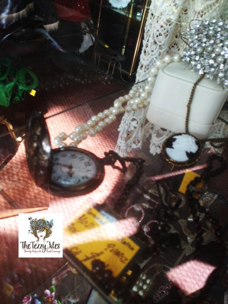 romantiques palmerston north antiques vintage shopping new zealand travel blogger uae dubai tezzy (2)