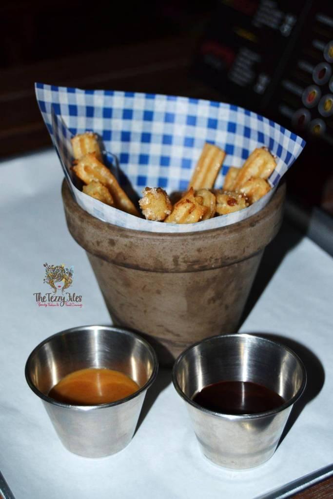 hot dog stand marina dubai review gourmet hotdog bean salad american curly fries churos jalapeno cheese balls (21)