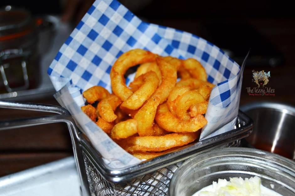 hot dog stand marina dubai review gourmet hotdog bean salad american curly fries churos jalapeno cheese balls (25)