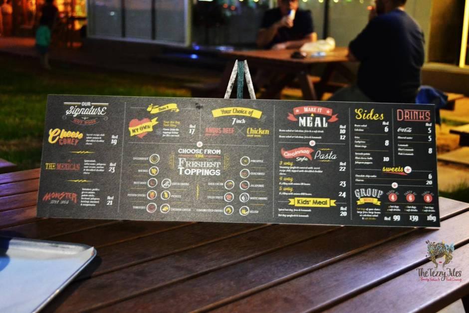hot dog stand marina dubai review gourmet hotdog bean salad american curly fries churos jalapeno cheese balls (6)