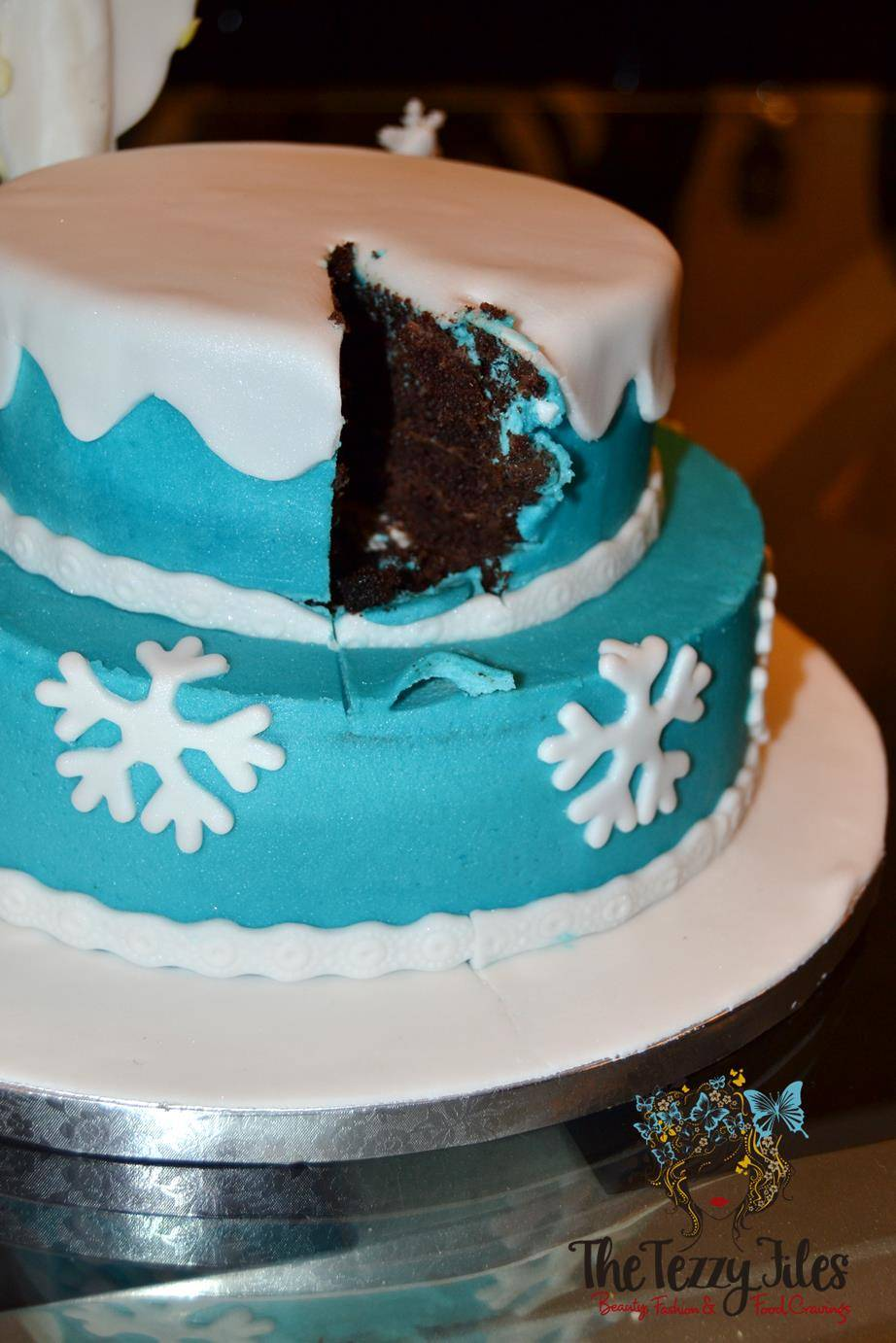 sugaholic birthday cake review belgian chocolate buttercream sponge frozen elsa cake (1)