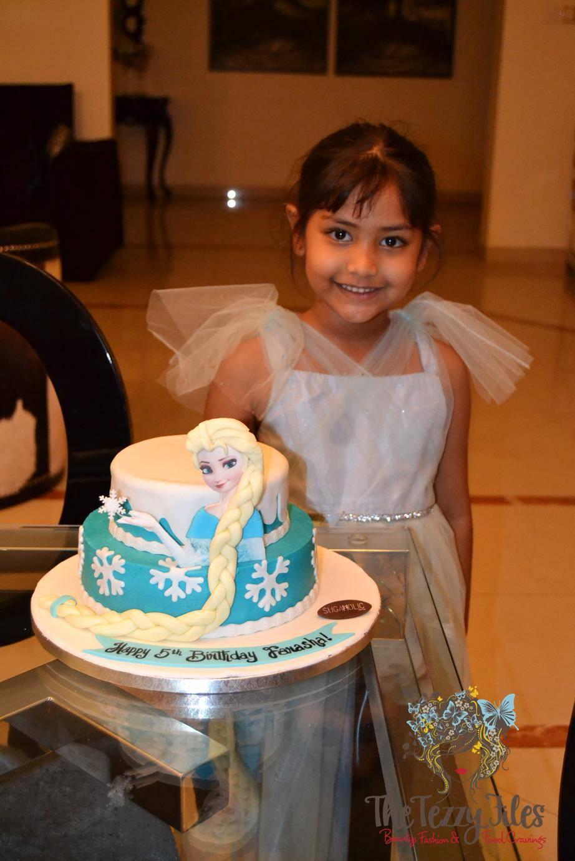 sugaholic birthday cake review belgian chocolate buttercream sponge frozen elsa cake (2)