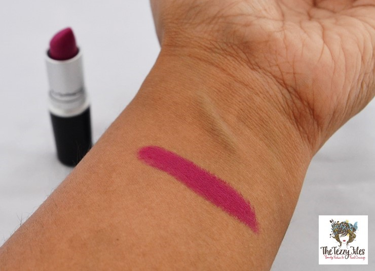 MAC Flat Out Fabulous Review by The Tezzy Files Dubai Beauty and Lifestyle Blogger (2)