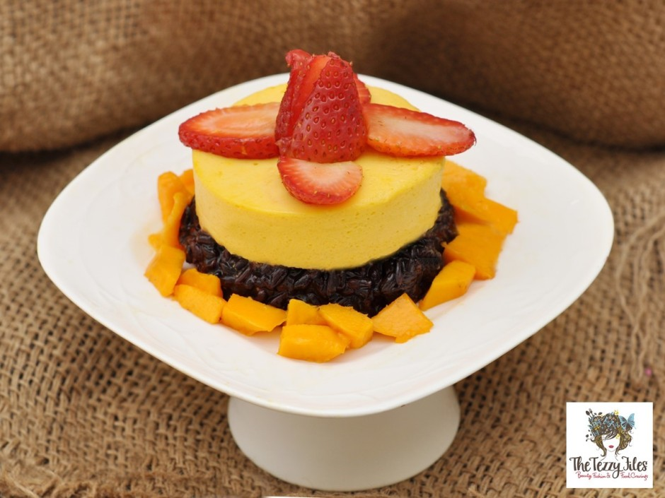 mango_mousse_sticky_rice