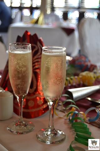 Yalumba Brunch bubbly brunch review by the tezzy files Dubai food blogger Le Meridien Airport Road Garhoud Australian restaurant (2)