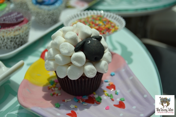 Zuccero cupcake review Dubai Festival City The Tezzy Files UAE food and lifestyle blogger (6)