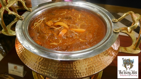 Chor Bazaar Somvaar Bazaar Movenpick Ibn Battuta Gate Review by The Tezzy Files Dubai Food and Lifestyle Blog UAE (13)