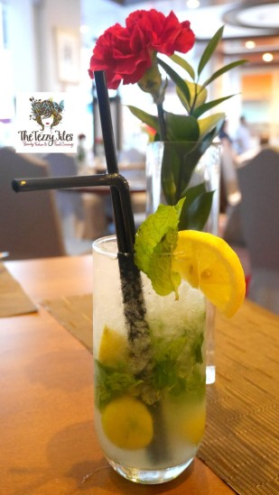 movenpick-the-art-of-brunch-review-by-the-tezzy-files-dubai-food-blog-uae-top-blogger-buffet-alcohol-sushi-indian-mussels-mojito-dessert-7