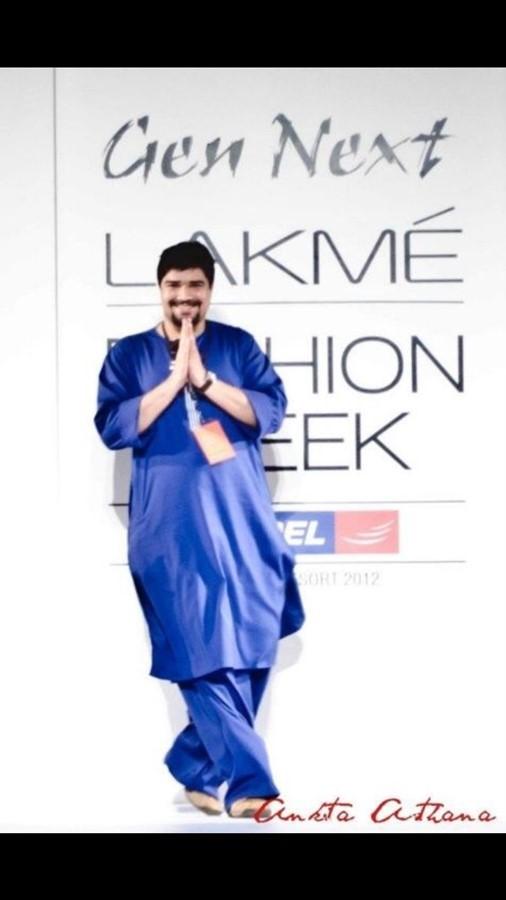 Surendri by Yogesh Chaudhary at Numaish Festive Fair Dubai review by The Tezzy Files Dubai Fashion Blog interview Indian fashion Designer Lakme Fashion Week (2)