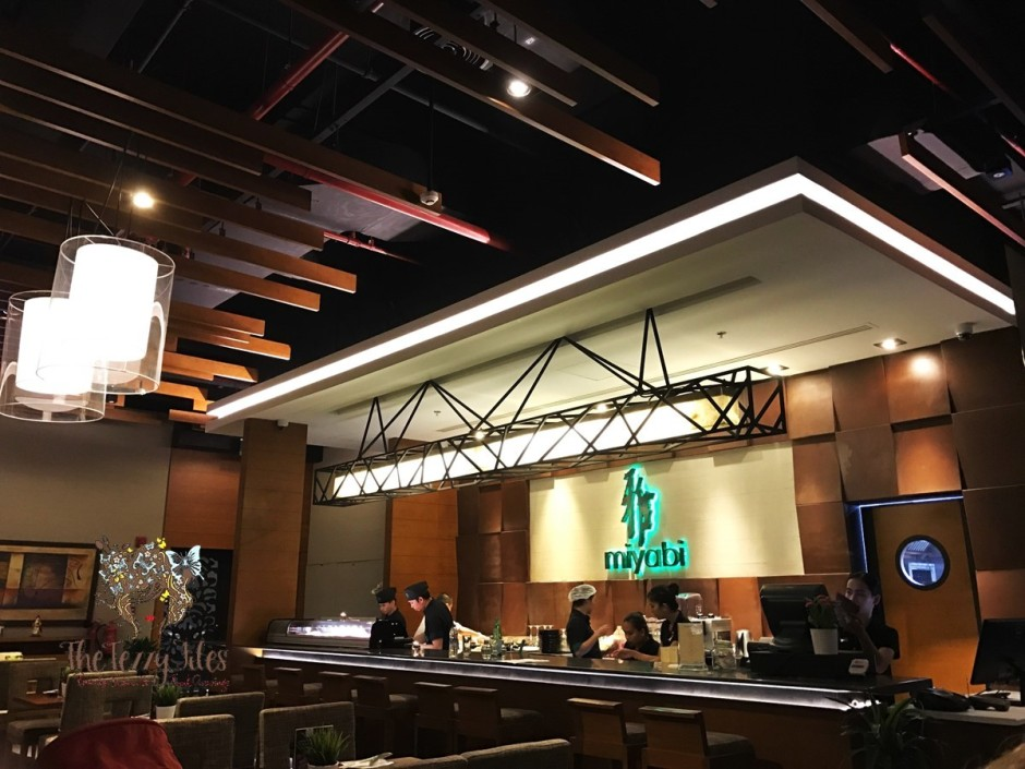 miyabi-sushi-japanese-cuisine-the-palm-jumeirah-dubai-uae-food-blog-the-tezzy-files-lifestyle-blogger-maki-sashimi-wasabi-3