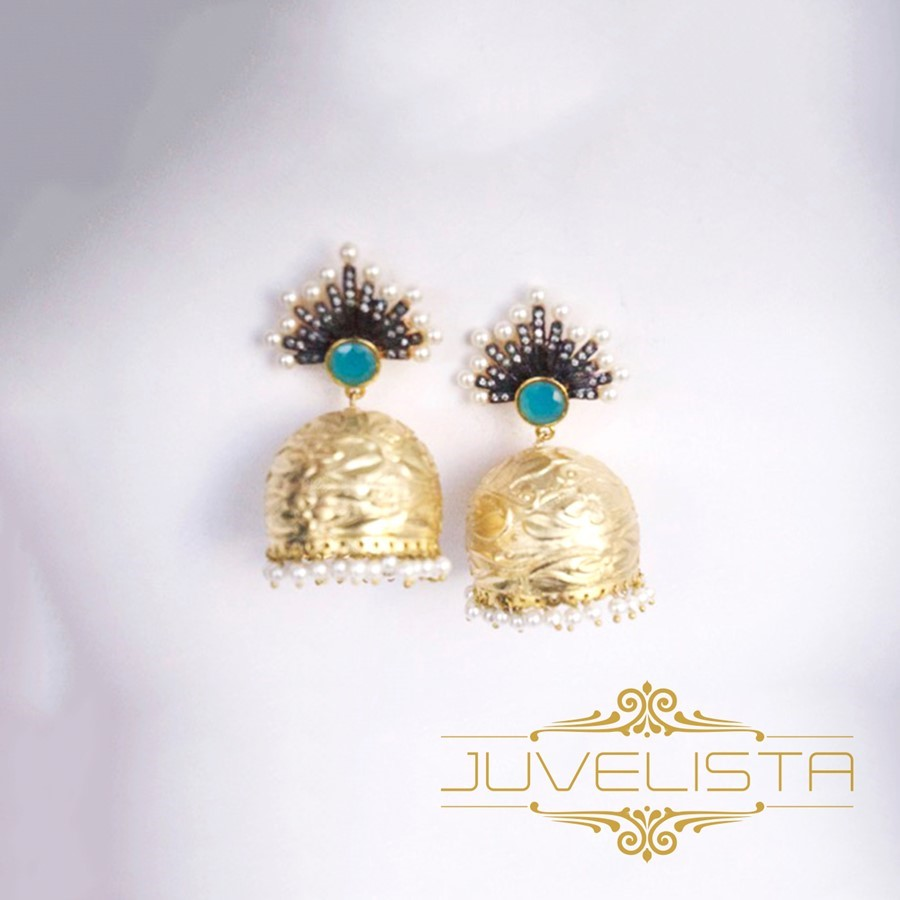 numaish-winter-show-juvelista-gold-chandelier-earrings-indian-jhumkas