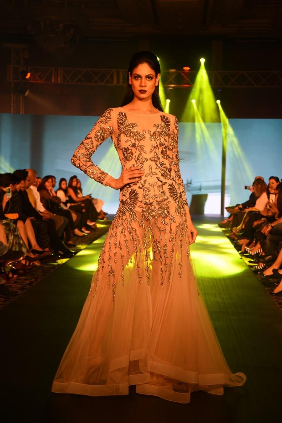 rajat-tangri-numaish-winter-show-dubai-fashion-indian-designer-blog-1