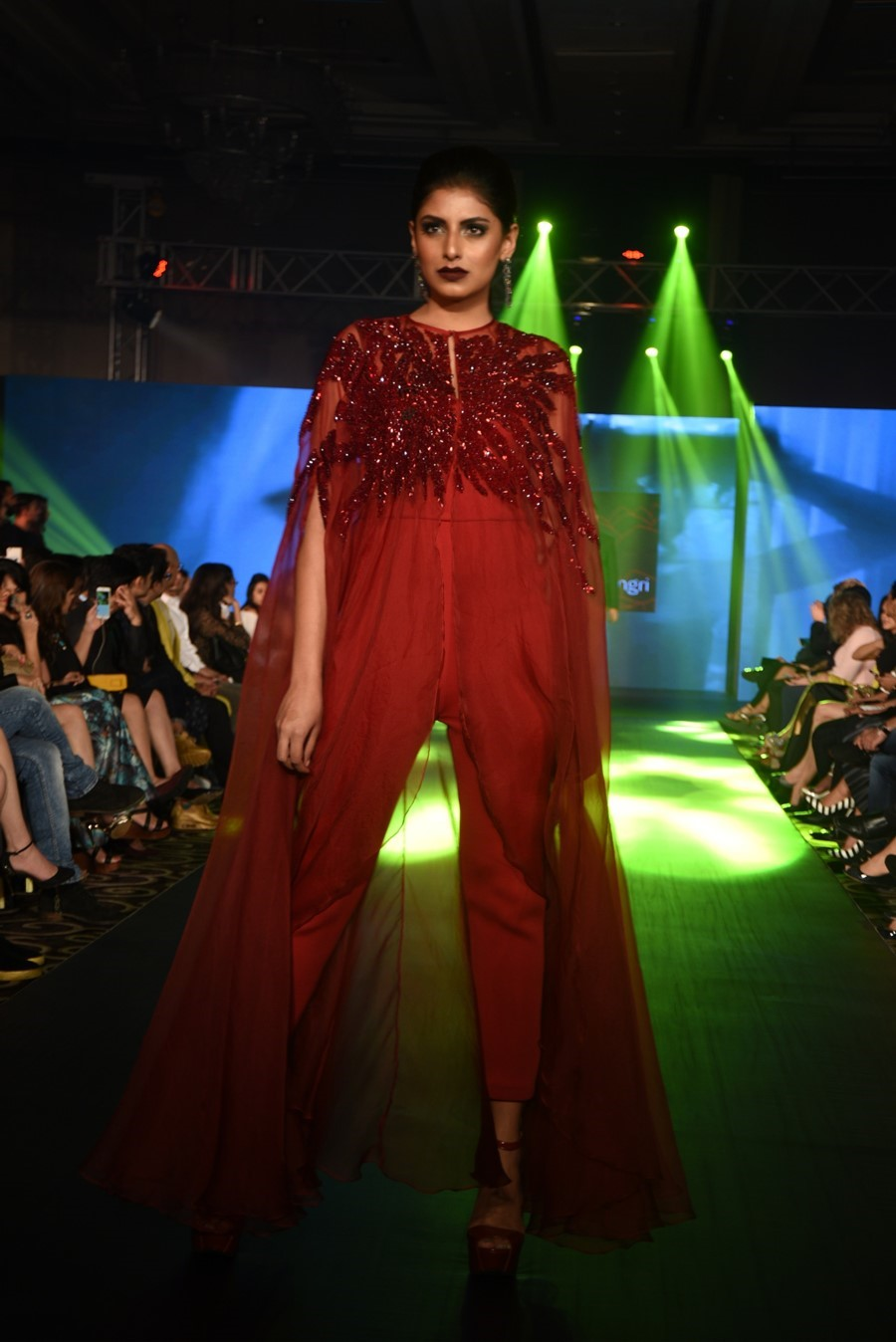 rajat-tangri-numaish-winter-show-dubai-fashion-indian-designer-blog-3