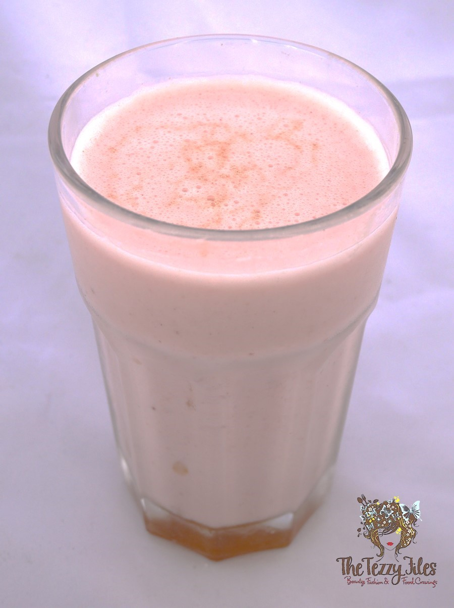 strawberry-cinnamon-honey-smoothie-shake-recipe-health-wellness-breakfast-quick-fast-nutrition-benefits-of-cinnmon