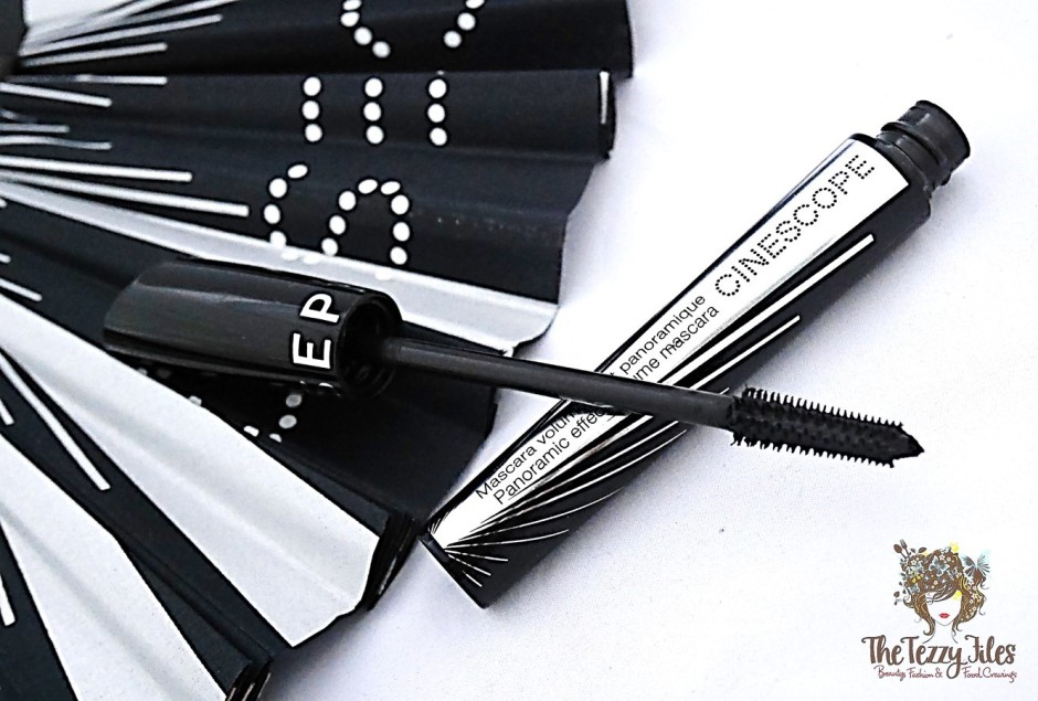 sephora-cinescope-mascara-review-dubai-uae-sephora-beauty-blogger-the-tezzy-files-blog-uae-panoramic-lashes-mascara-wand-ball-ended-bristles-easy-application-dramatic