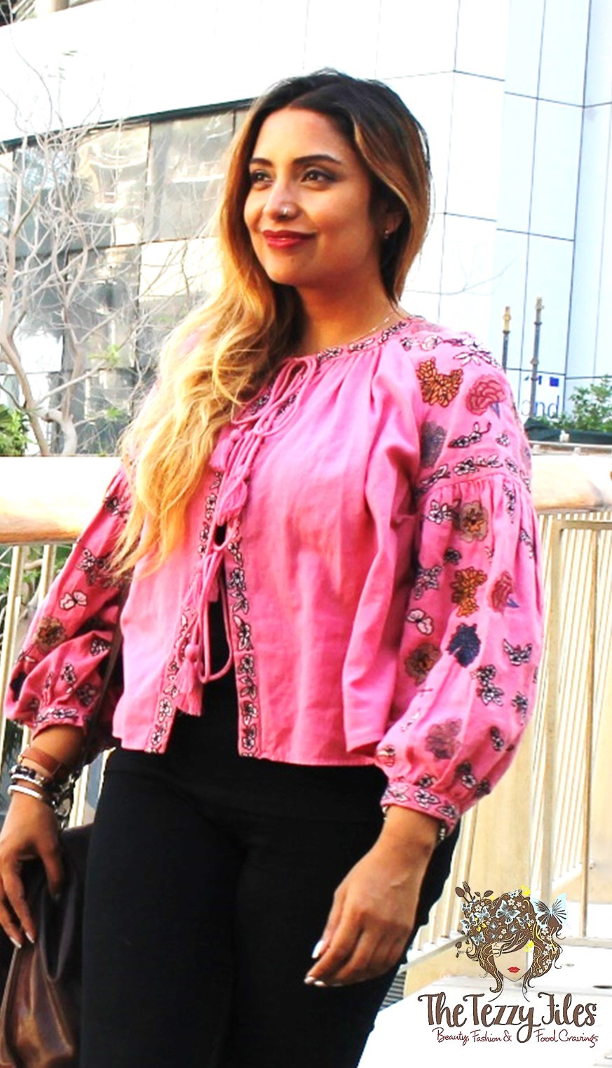 Zara Pink Jacket Embroidery Boho big sleeves bohemian fashion blog Dubai style blogger UAE lifestyle tie up jacket look of the day fashionista (2)