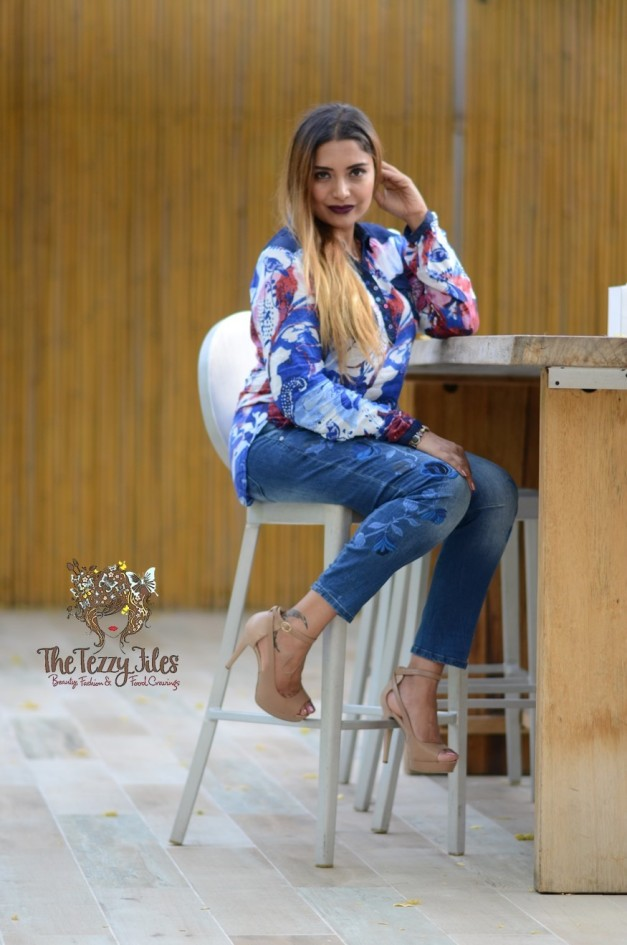Desigual Dubai Fashion Blog The Tezzy Files UAE Lifestyle blog fashionista look of the day award winning best blogger uae photo shoot the farm al barari blue denim jeans what to wear (3