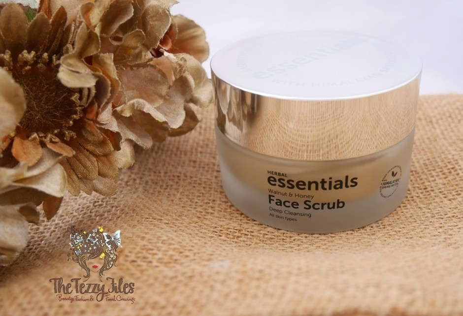 Herbal Essentials Walnut and Honey Face Scrub Review The Tezzy Files Dubai Beauty Blog UAE Blogger Skincare (2)