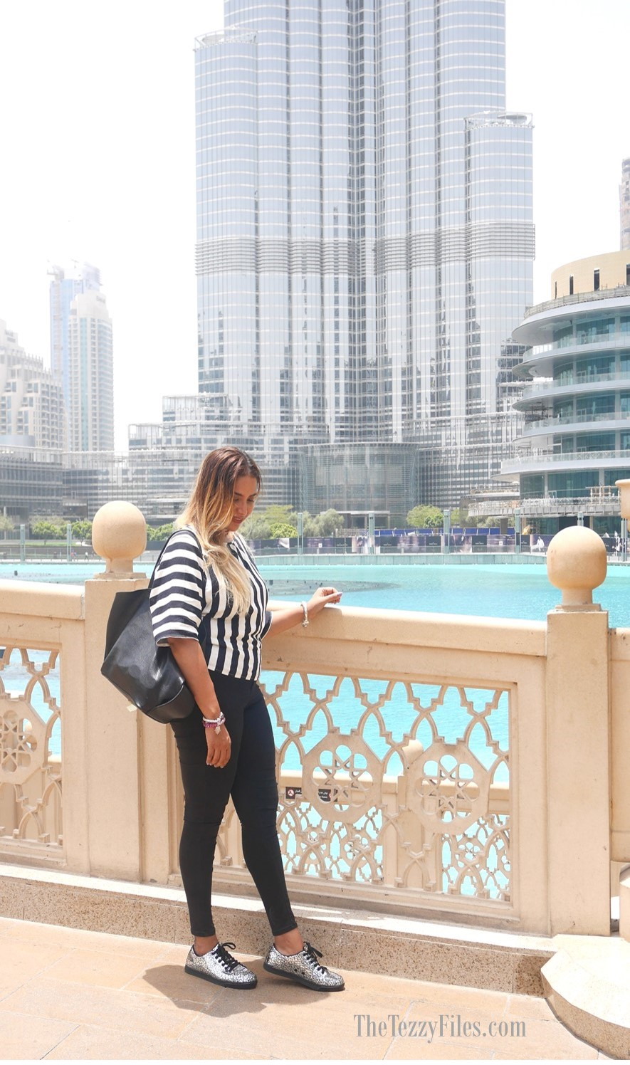 KRUZIN Footwear Review Dubai Alessandra Gold Sneakers Queen Dare With Us Citywalk Dubai Fashion Blog UAE