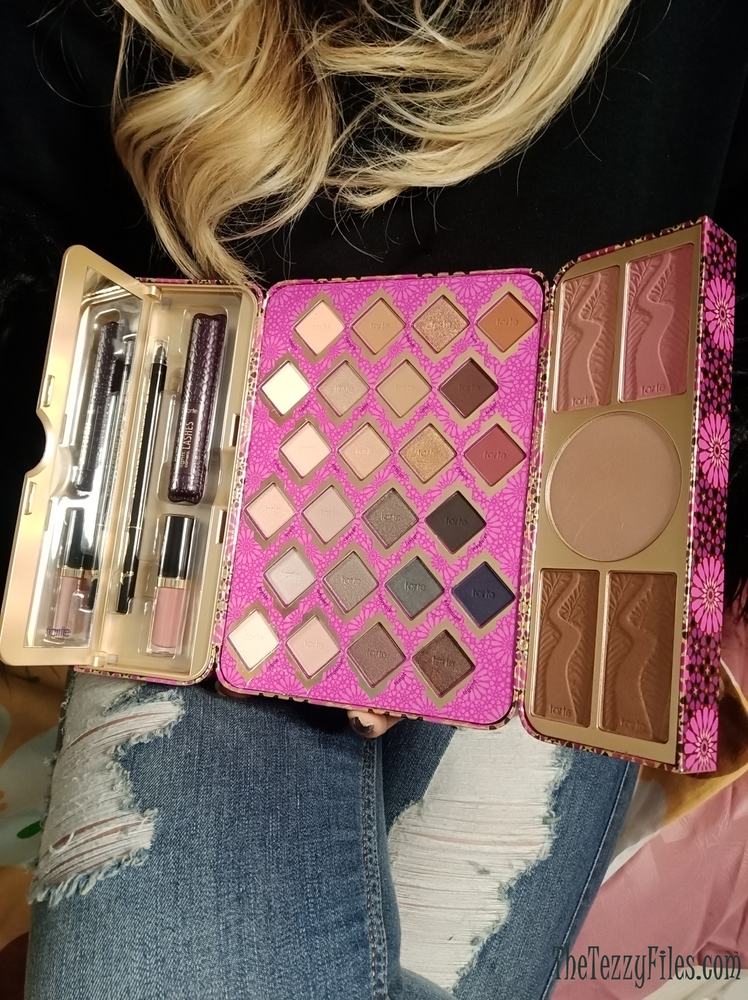Tarte Treasure Box Collectors Set High Performance Naturals Sephora Middle East Beauty Blogger Dubai Review UAE Blog The Tezzy Files Makeup Tutorial (4)