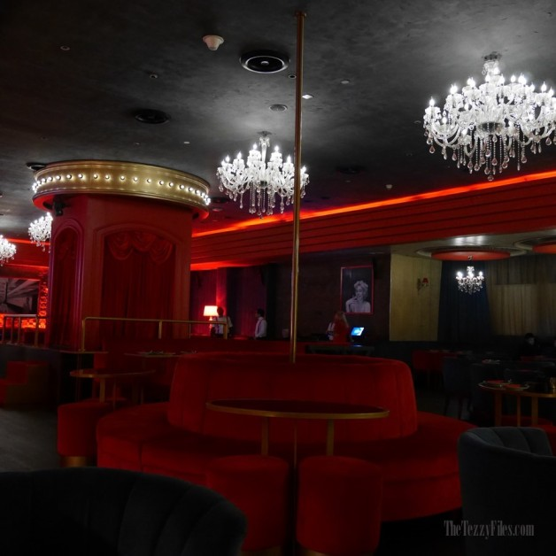 Maison Rouge Conrad Dubai UAE Review Food Blog French Cabaret Violin Bar Club Night Life Steak Molecular Gastronomy (1)