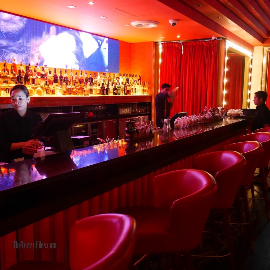 Maison Rouge Conrad Dubai UAE Review Food Blog French Cabaret Violin Bar Club Night Life Steak Molecular Gastronomy (2)
