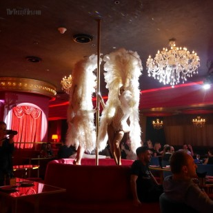 Maison Rouge Conrad Dubai UAE Review Food Blog French Cabaret Violin Bar Club Night Life Steak Molecular Gastronomy (7)