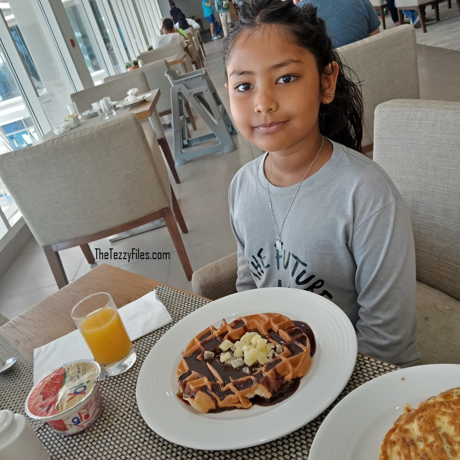 Hilton Garden Inn Ras Al Khaimah Review Staycation RAK UAE Dubai Travel Lifestyle Blog The Tezzy Files (3)