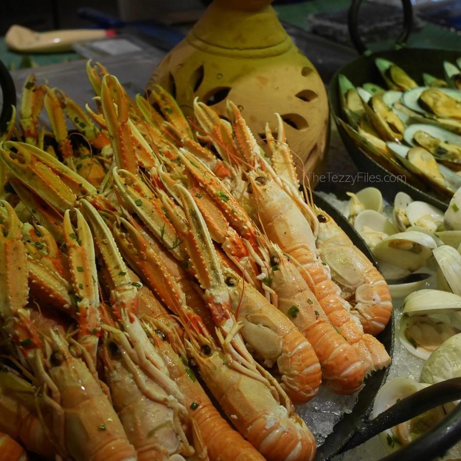 Al Ain Rotana Review Min Zaman Zest Travel Staycation Holiday Trip Advisor UAE Blogger Food Pool (12)