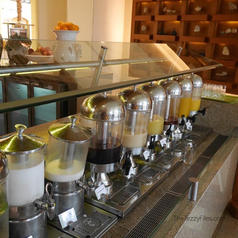 Al Ain Rotana Review Min Zaman Zest Travel Staycation Holiday Trip Advisor UAE Blogger Food Pool (17)