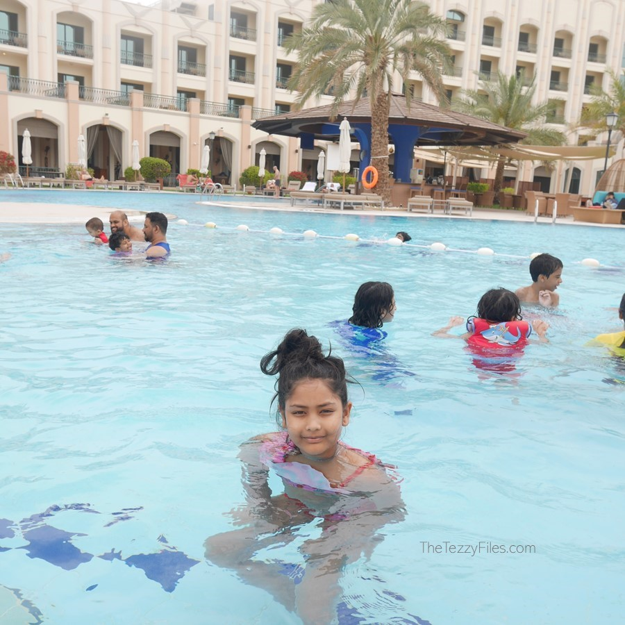 Al Ain Rotana Review Min Zaman Zest Travel Staycation Holiday Trip Advisor UAE Blogger Food Pool (34)